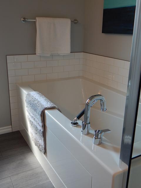 Schimmel uit badkamer verwijderen - Lifestyle Online