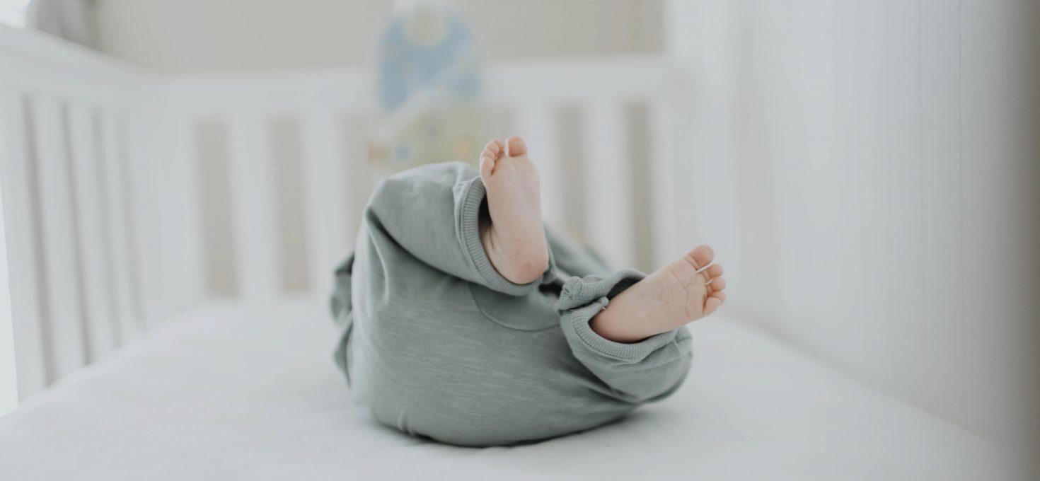 Waar moet je op letten bij het kopen van een babybedje?